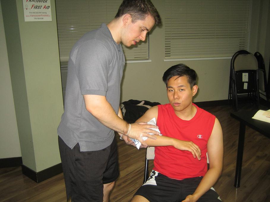 What are the treatments for fluid on elbow